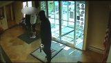 63χρονος αντιμετωπίζει ένοπλο ληστή