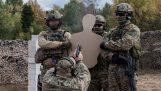 ロシアの特殊部隊の演習を行うライブ弾薬