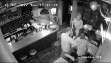 Attempt laptop stolen from restaurant
