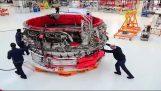 Πως η Rolls-Royce συναρμολογεί τους κινητήρες των αεροπλάνων
