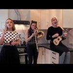 Τρία κορίτσια από τη Ρωσία τραγουδούν Red Hot Chili Peppers