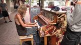 A homeless plays beautifully on piano