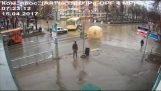 Εντωμεταξύ στη Ρωσία…