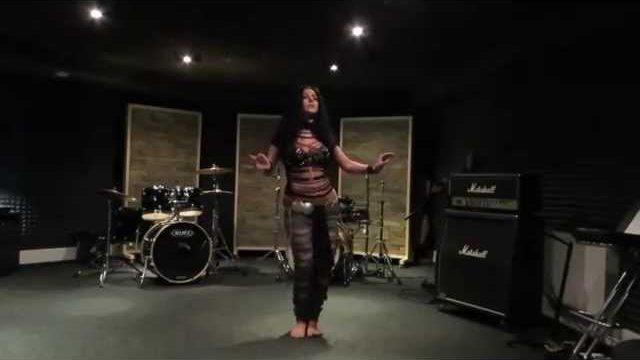 Diana Bastet Metal Belly Dance. AC-DC Thunderstruck.mp4
