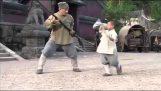 Ένα μικρό παιδί μαθαίνει Σαολίν Κουνγκ-Φου στον Jackie Chan