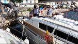 Αποτυχημένο άραγμα σκάφους στο λιμάνι της Ύδρας