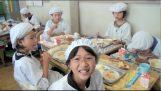كيف يتم غداء المدرسي في اليابان