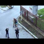 Στρατιώτης προσπαθεί να αφοπλίσει ηθοποιό κατά την διάρκεια γυρισμάτων