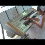 """Η μουσική του """"Back to the future"""" σε ένα Electone"""