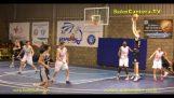 2 'lik bir yüksekliğe sahip 15 yaşındaki basketbolcu,29m.