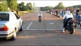 Αναμέτρηση: Αυτοκίνητο εναντίον μοτοσικλέτας