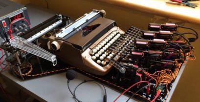 Γραφομηχανή με αναγνώριση φωνής.VIDEO