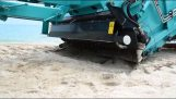 The machine that cleans the beaches