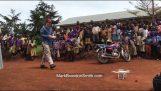 Enfants en Afrique voient pour la première fois un drone