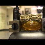 Φτιάχνοντας καραμέλες με μια μηχανή του 1871