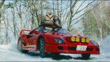 Med en Ferrari F40 i snön