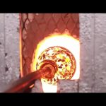 Η κατασκευή μιας χειροποίητης γυάλινης κανάτας