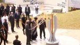 Jean-Claude Juncker foi quase incendiou a primeira-dama de Ruanda