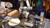 Robot prépare une omelette
