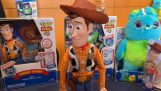"""Παιχνίδι από το Toy Story που πέφτει κάτω όταν του πεις """"κάποιος έρχεται"""""""
