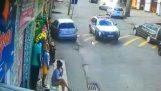 Заподозрян шофьор получава впечатляващо от полицията