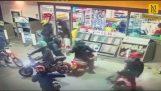Gang złodziei robi nalot w Manchesterze Shop