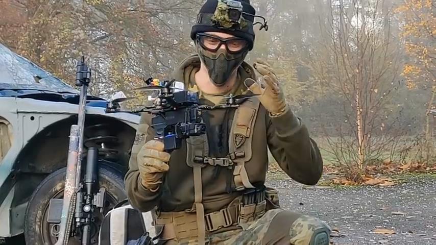 Testen Einer Softair Pistole Auf Einer Drohne Videoman