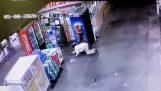 Obchodní: krádež nealkoholických nápojů