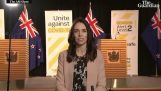 Uuden-Seelannin pääministerin vastaus haastatteluun maanjäristyksen aikana