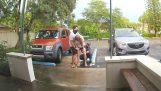 Γέννησε το παιδί της στο πάρκινγκ του μαιευτηρίου