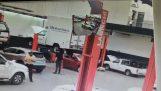 Μηχανικός εναντίον ημιφορτηγού