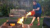 Чому не слід кидати бензин на вогні